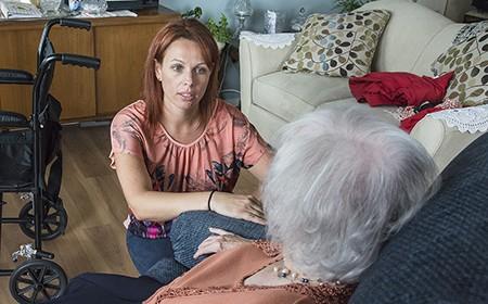 La CSN salue le réinvestissement en soutien à domicile