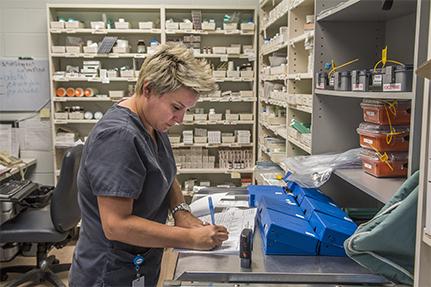 Pour la reconnaissance des assistant-es techniques en pharmacie et assistant-es techniques seniors en pharmacie