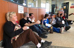 Les membres de la CSN en Outaouais manifestent leur mécontentement contre l'épuisement du personnel