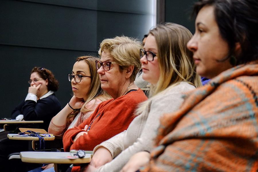 La lutte pour un juste salaire pour les adjointes à l'enseignement universitaire se poursuit