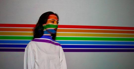Pour mieux comprendre les réalités des lesbiennes et bisexuelles